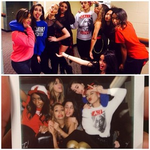 Fifth Harmony posté this on their Instagram of them and the girls on tour!! :'( ❤❤❤❤