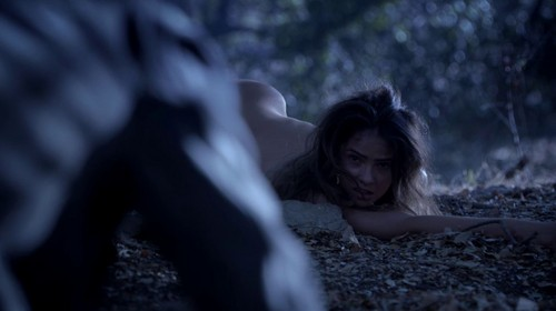Malia Tate achtergrond probably with bare legs and a hip boot entitled Malia Screencaps