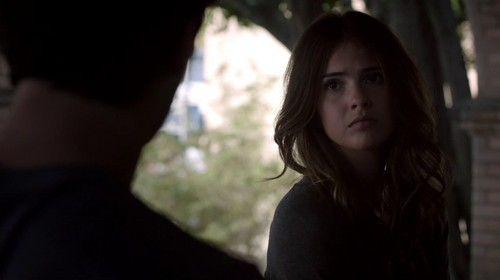 Malia Tate wallpaper possibly containing a portrait called Malia Screencaps