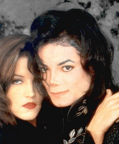 Mari fond d'écran with a portrait entitled Michael And First Wife, Lisa Marie Presley