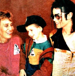 Michael Backstage With His fãs