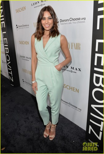 Michaela Conlin 壁紙 probably with a sign, a playsuit, and a well dressed person titled Michaela Conlin