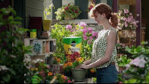 Miracle-Gro commercial