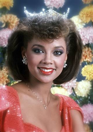 Vanessa Williams achtergrond containing a portrait entitled Miss America 1983