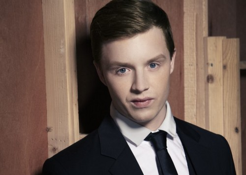 Noel Fisher Hintergrund containing a business suit, a suit, and a double breasted suit titled Noel Fisher