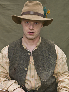 "Noel Fisher as Ellison ""Cotton Top"" Mounts"