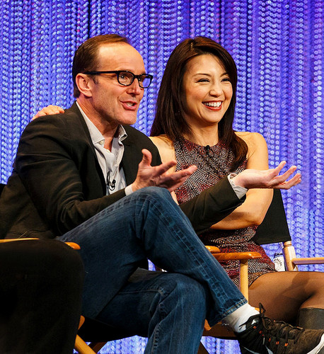 Phil Coulson & Melinda May wallpaper containing a business suit called Philinda PaleyFest