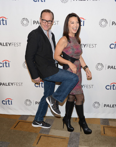 Phil Coulson & Melinda May wallpaper containing a business suit and a well dressed person entitled Philinda PaleyFest