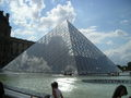 Pyramide du Louvre - love photo