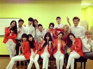 SNSD with Mr.Mr Backup Dancers