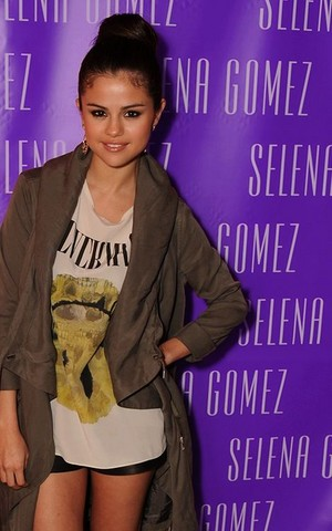 Selena Gomez Random Pics ♥