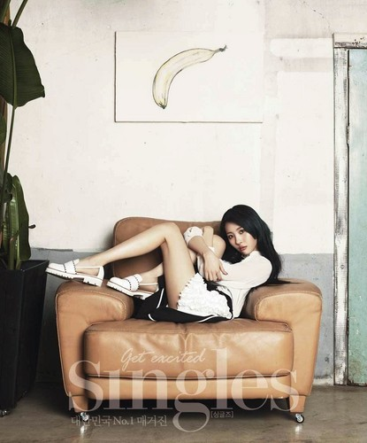 Sunmi Обои probably with a living room, a family room, and a drawing room called Sunmi 'Singles' Magazine April Issue
