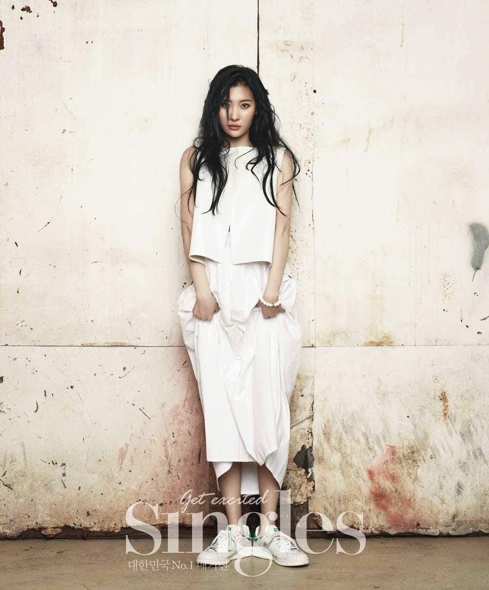 Sunmi 'Singles' Magazine April Issue