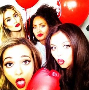 The girls yesterday in BBC1 Instagram foto booth, backstage at Sport Relief