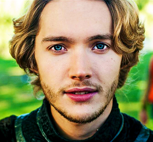 Toby Regbo wallpaper with a portrait entitled Toby Regbo