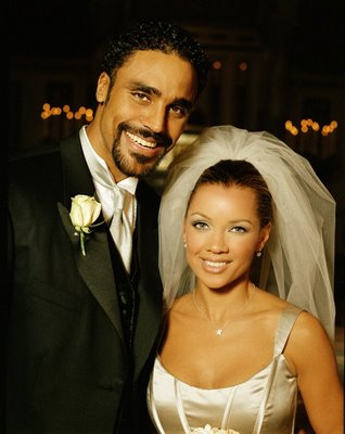 Vanessa Williams achtergrond with a business suit called Vanessa And Rick Fox's Wedding Back In 1999