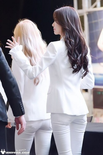 kpop 4ever wallpaper probably with a well dressed person and a business suit entitled Yoona the flower