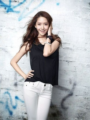 kpop 4ever wallpaper probably containing a well dressed person entitled Yoona the flower
