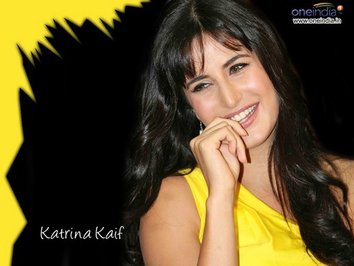 Katrina Kaif karatasi la kupamba ukuta containing a portrait titled katrina kaif cute