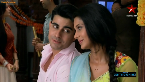 Saraswatichandra (TV series) karatasi la kupamba ukuta possibly containing a tamale and a bouquet called samud upendo