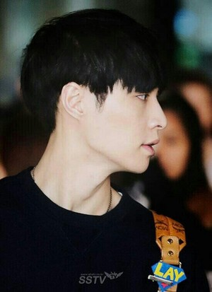 [NEWS PIC] 140424 Lay @ Incheon Airport