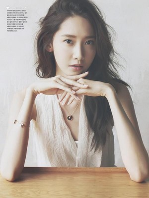 [SCAN] Yoona - Cosmopolitan May Issue 'Myth of the Light' (1)