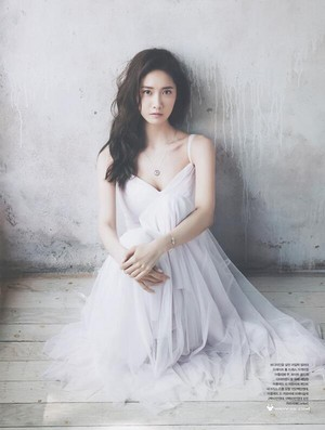 [SCAN] Yoona - Cosmopolitan May Issue 'Myth of the Light' (4)