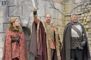 1x21 'Long Live The King' stills