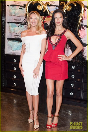 Adriana Lima and Candice Swanepoel at the Bond सड़क, स्ट्रीट store in लंडन