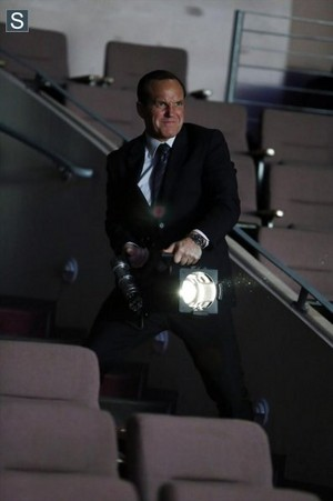 Agents of S.H.I.E.L.D - Episode 1.19 - The Only Light In The Darkness - Promo Pics