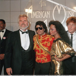 Backstage At The 1984 American 音楽 Awards
