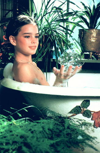 Brooke Shields wallpaper containing a hot tub titled Bathing Brooke