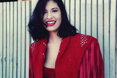 Selena Quintanilla-Pérez 壁紙 possibly with a well dressed person titled Beautiful Selena ♥