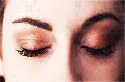Bella opens her eyes