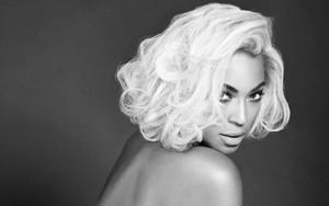 """Beyoncé """"OUT"""" magazine"""