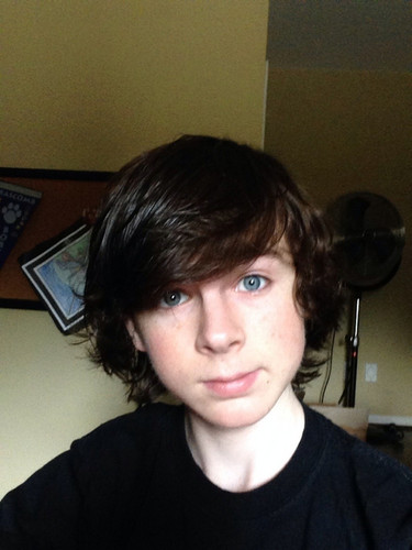 Chandler Riggs Hintergrund probably containing a jersey and a portrait called Chandler selfie he gepostet today on his Ask.fm :)