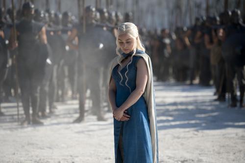 Daenerys Targaryen fond d'écran titled Daenerys Targaryen Season 4