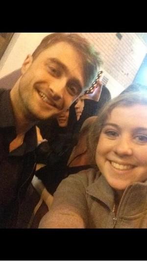 Daniel Radcliffe With a Fan (Fb.com/DanieljacobRadcliffeFanClub)