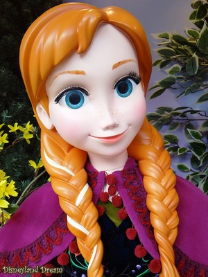 Disneyland Paris: Anna