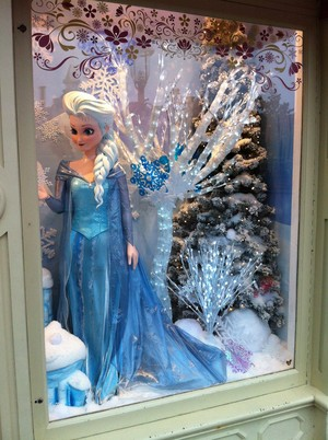 Disneyland Paris: Elsa