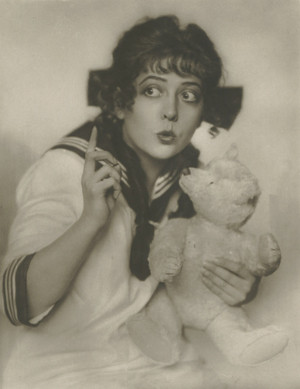 Dorrit Weixler (27 March 1892 – 30 November 1916