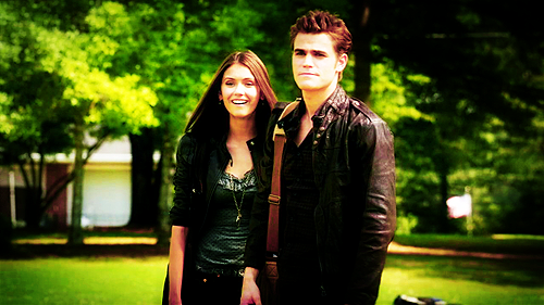 Stelena vs Delena پیپر وال probably containing a well dressed person and a business suit titled Elena and Stefan