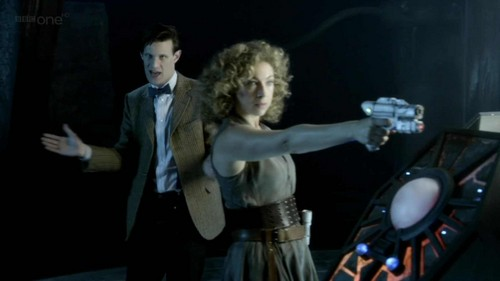 The Doctor and River Song karatasi la kupamba ukuta entitled Eleven and River <3