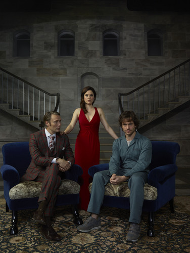 Hannibal TV Series wallpaper containing a park bench, a business suit, and a street entitled Hannibal Lecter, Alana Bloom and Will Graham