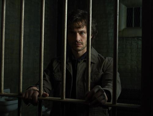 한니발 TV 시리즈 바탕화면 containing a holding cell, a cell, and a penal institution called Hugh Dancy as Special Agent Will Graham