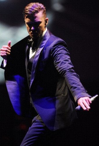 Justin Timberlake wallpaper containing a business suit called JT - The 20/20 Experience World Tour 2014