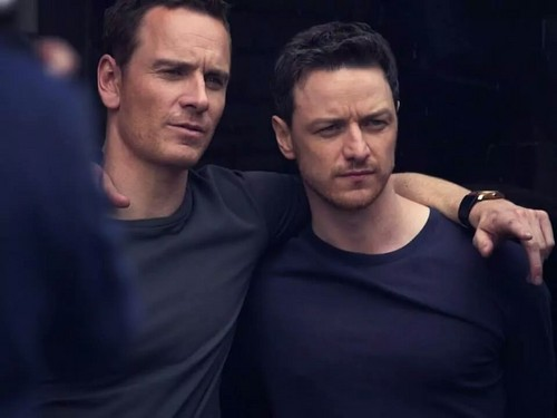 James McAvoy and Michael Fassbender 壁紙 probably containing a テニス pro and a テニス player titled James and Michael ☆