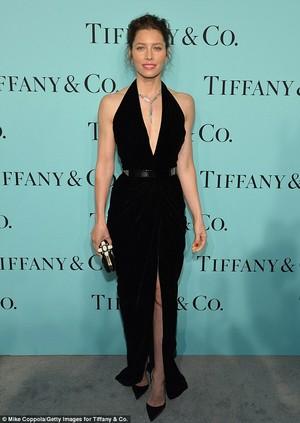 Jessica at Tiffany & Co. - New York (April 10 2014)