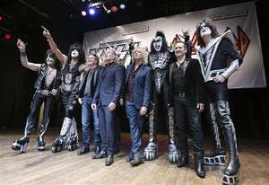 KISS ~Paul, Gene, Tommy, Eric and Def Leppard
