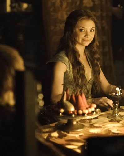 Margaery Tyrell wallpaper probably containing a dinner table entitled Margaery Tyrell Season 3